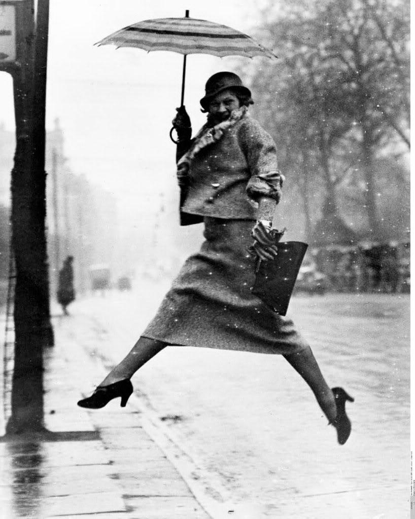 Cartier Bresson   Salto en la lluviaHenri Cartier Bresson Puddle
